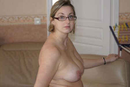 Adopte une femme sexy très jolie