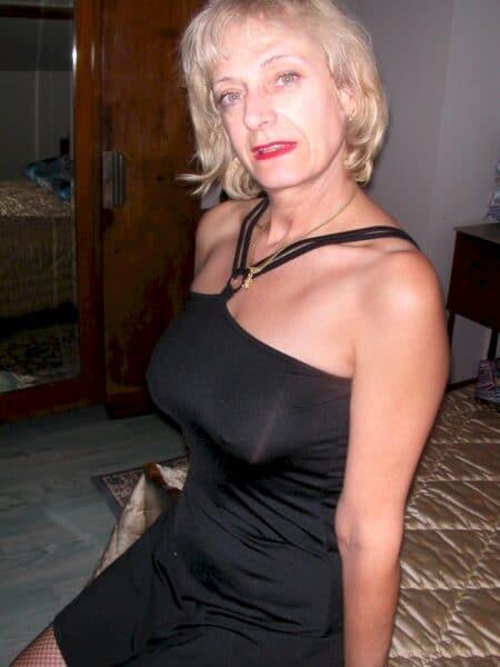 Une femme mature coquine de Cahors pour du réel